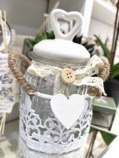 Barattolo shabby con tappo cuore in porcellana e base in metallo cm 10x14